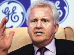 GE CEO Jeff Inmelt speaking at a New Dehli press conference